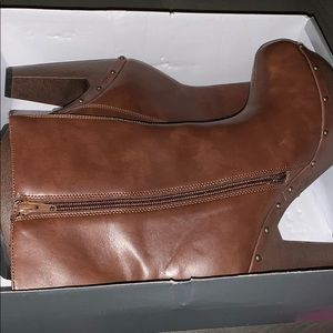 Women's Brown Shoedazzle Heeled Boots
